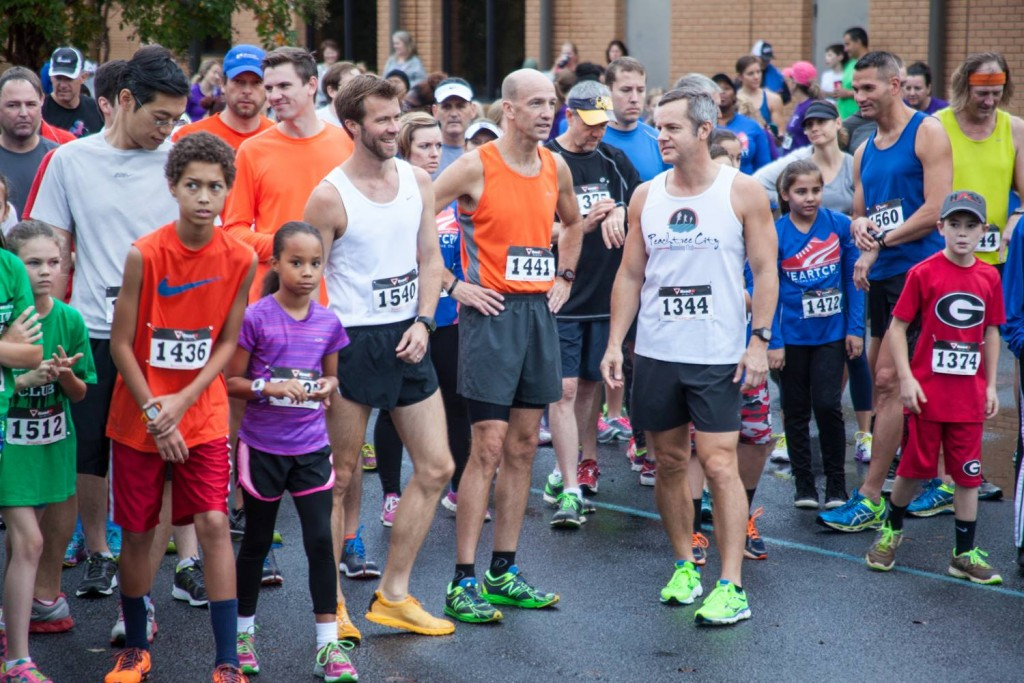 Starting line of the 2015 New Hope Harvest Classic 5K - photo by: New Hope