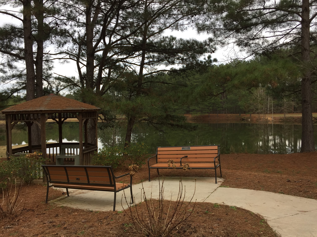 Gazebo and benches at the Boundary Waters Park pond